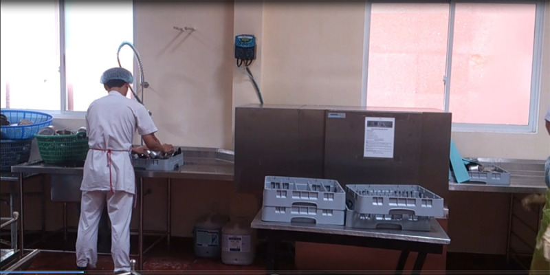 máy rửa bát nhà hàng có tốn điện nước